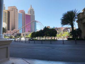 朝ホテル前のラスベガス